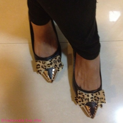 Black pumps with leopard print bows